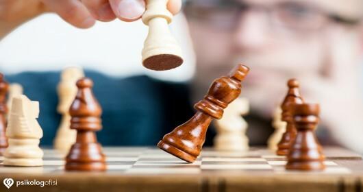 Düşüncelerle Kaynaşma: Kabul ve Kararlılık Terapisi